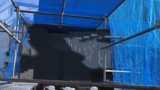 単管パイプで作ったメダカ小屋のネット張り作業