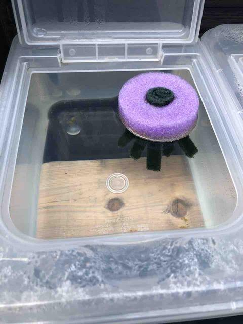 メダカの採卵容器